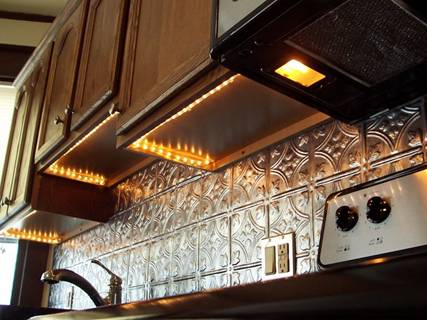 String Lights For Under Cabinets : Fantastic Ideas for Using Rope Lights for Christmas Decoration - Designer Mag