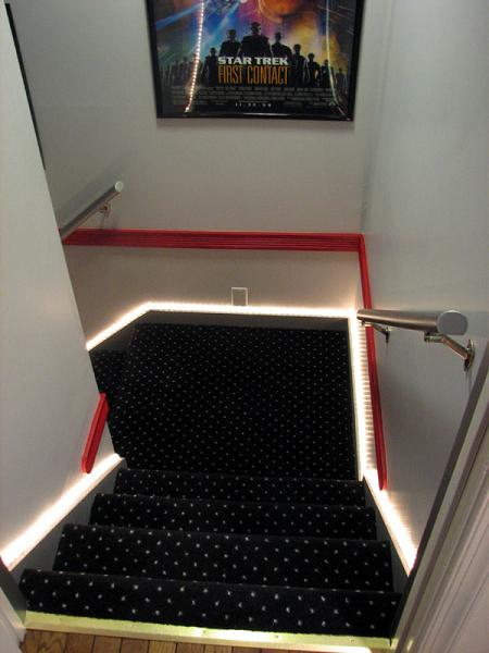 Lighting Basement Washroom Stairs: Fantastic Ideas For Using Rope Lights For Christmas