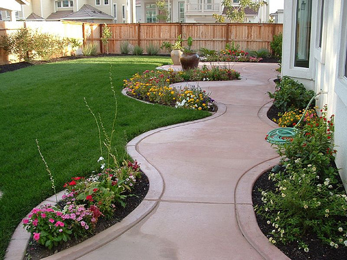 Exclusive Landscaping Ideas to Fit Your Low Budget ...