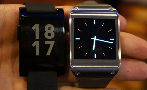 q09-03_16-18-15vs_verge_sup - Samsung Galaxy Gear - The Smart Watch in Pictures