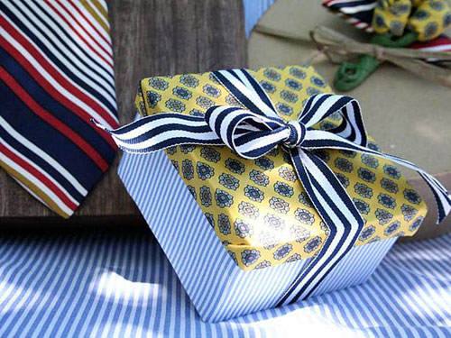 Creative-Gift-Wrap-Ideas7
