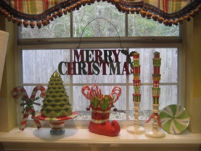 using the window sill - Window Sill Christmas Decorations