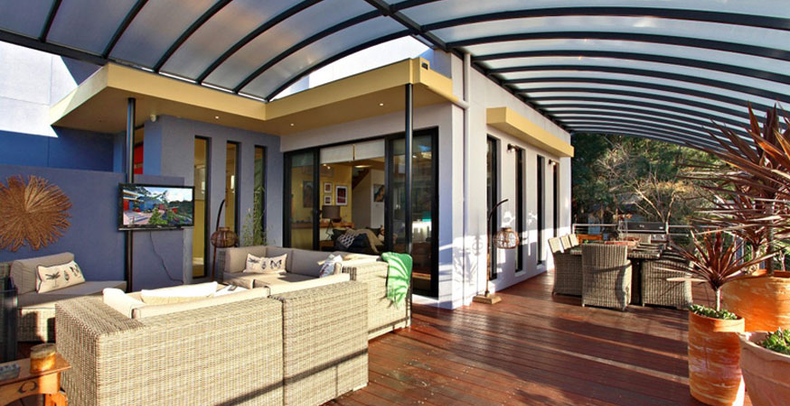 ideas for outdoor pergola design with stylish roofs designer mag. Black Bedroom Furniture Sets. Home Design Ideas