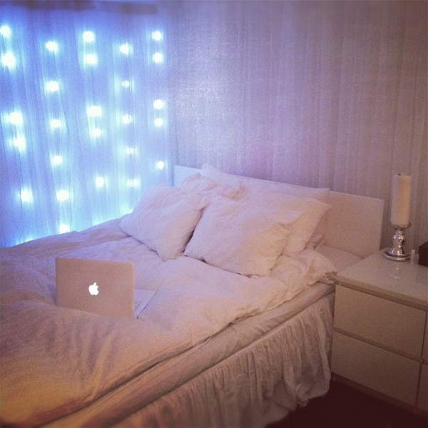 bedroom-fairy-lights-to-make-perfect-bed