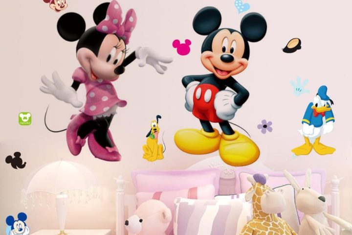Using Cartoon Theme to Decorate Your Home without Looking Juvenile